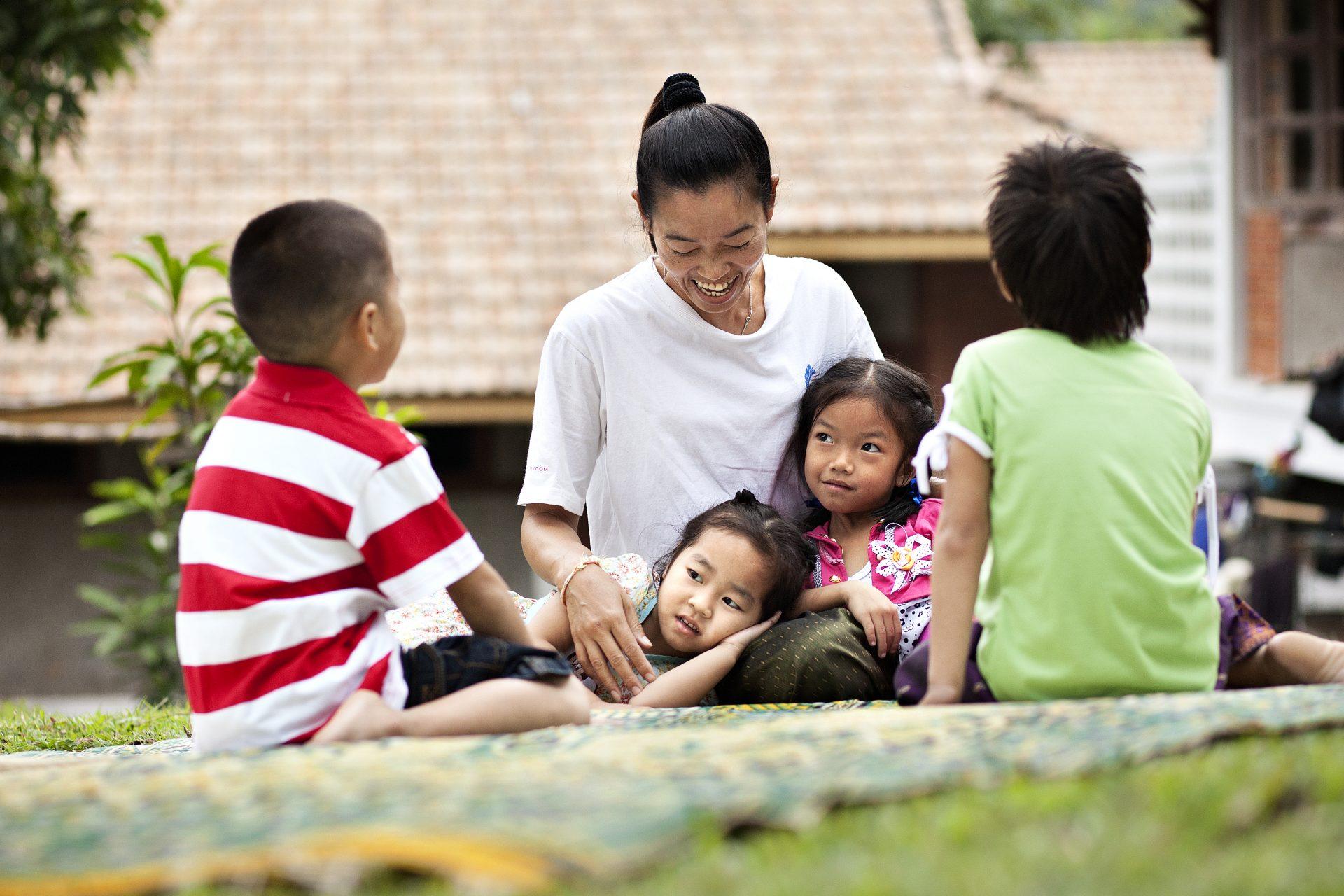 Sådan Hjælper Sos Børnebyerne Forældreløse Og Udsatte Børn