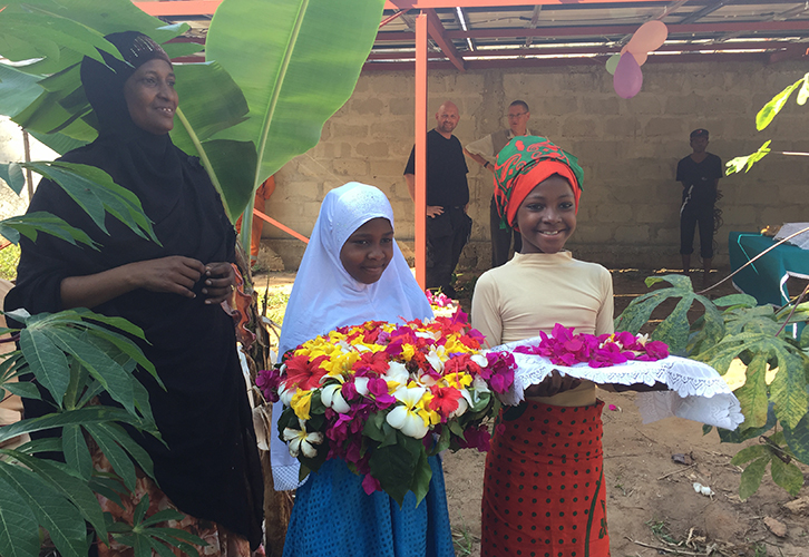 solcelleanlaeg bliver indviet i Zanzibar