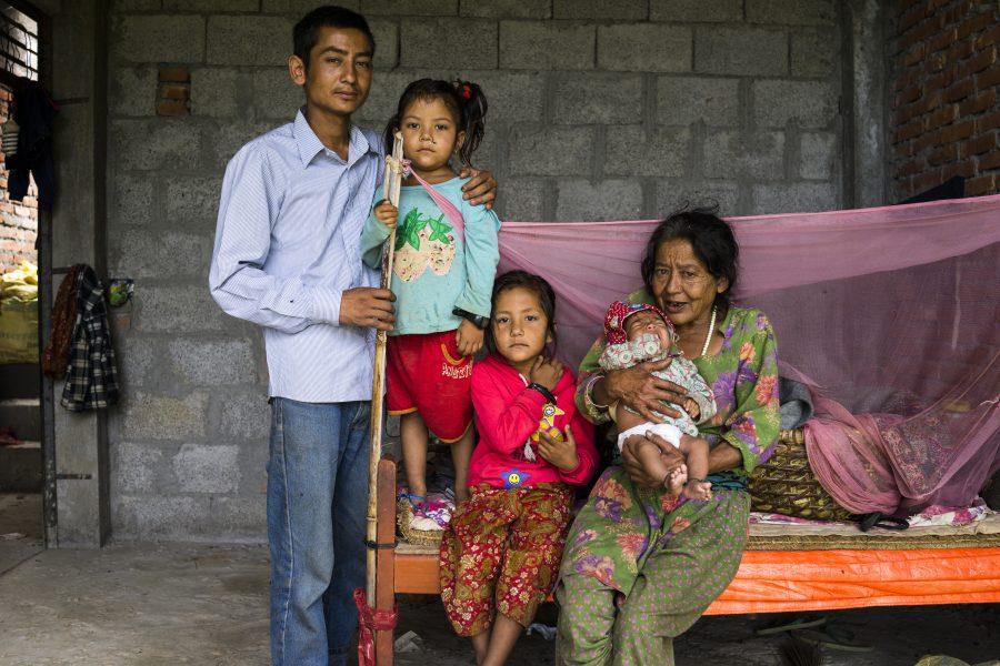 Over 500 familier har faaet hjaelp fra SOS-Boernebyerne.