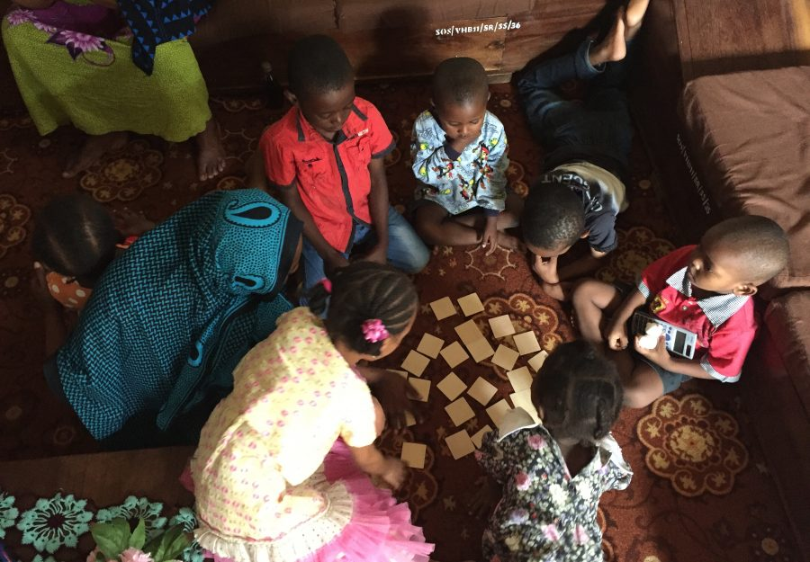 Børn spiller spil, Zanzibar