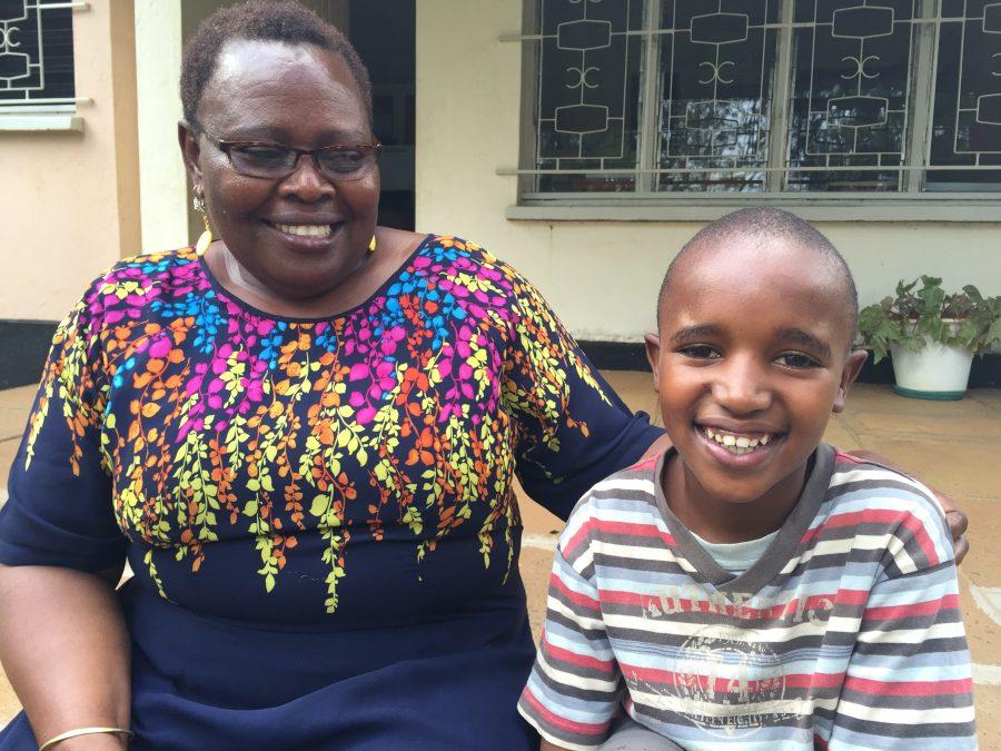 James med sin SOS-mor i børnebyen i Eldoret