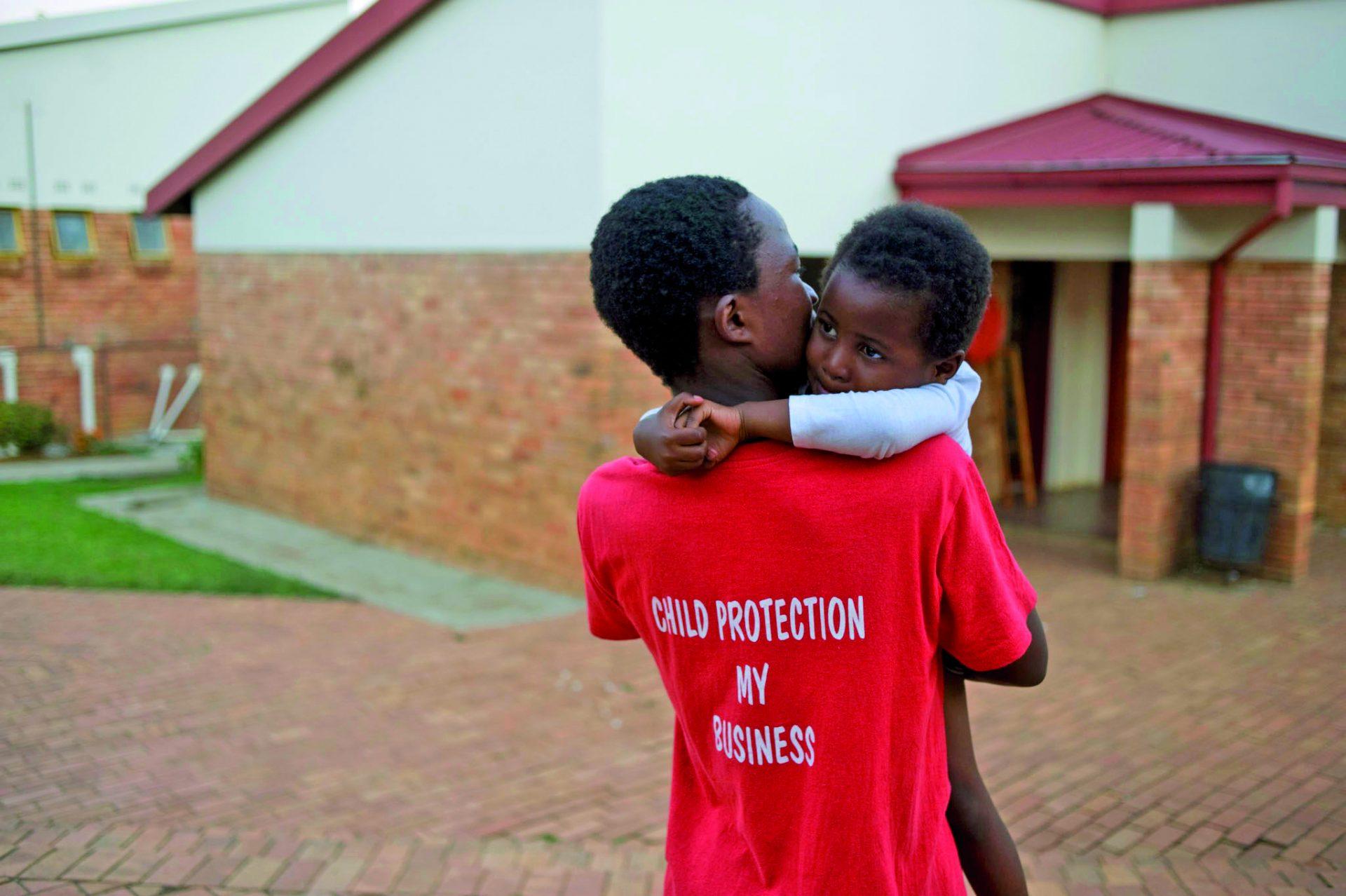 SOS Børnebyerne er én ud af blot tre børneorganisationer, der har et såkaldt Level 1 Certifikat udstedt af den internationalt anerkendte organisation Keeping Children Safe, der har udviklet de standarder for børnebeskyttelse, som følges verden over.