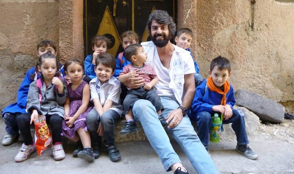 Ahmad arbejder i SOS Børnebyernes børnevenlige område i Damaskus.